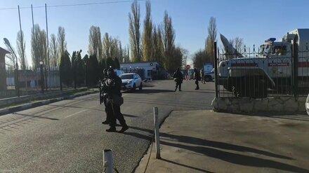 Расстрелявший военных срочник завладел автомобилем под Воронежем