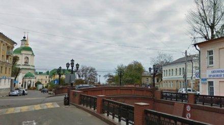 Улицу в центре Воронежа перекроют из-за ремонта Каменного моста