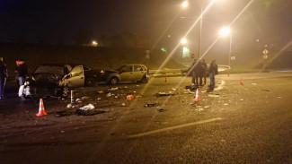 В ДТП с шестью машинами в Воронеже пострадали трое детей и трое взрослых