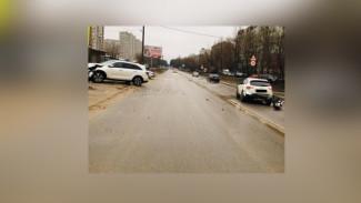 В Воронеже женщина получила травмы, врезавшись в едущий впереди автомобиль