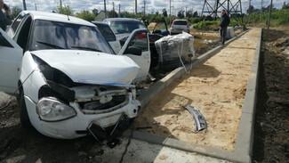 Три человека пострадали в ДТП с легковушками в воронежском райцентре