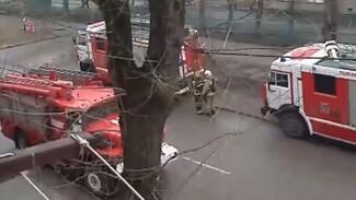 В Воронеже из-за замыкания на кухне к детскому саду съехались несколько пожарных машин