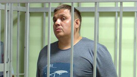 Воронежский суд отказал в выходе из СИЗО прославившемуся 22 квартирами гаишнику