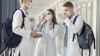 Воронежский вуз объяснил случайностью включение облучателей в аудитории с медиками
