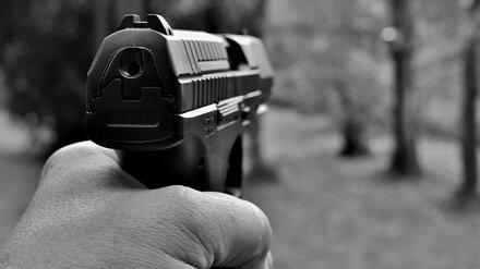 Воронежцы пожаловались на устроившего стрельбу в ЖК мужчину