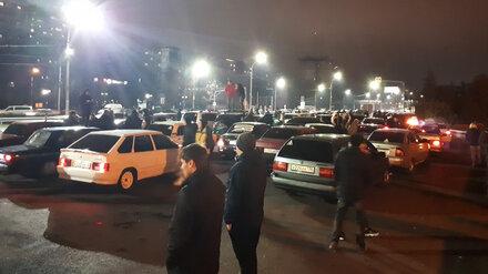 В Воронеже водители парализовали движение по крупной магистрали ради игры