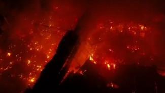 Полыхавший ночью под Воронежем «Магнит» сняли на видео с высоты птичьего полёта