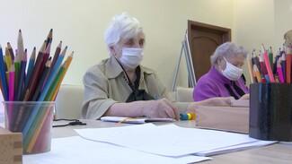 Танцы и рукоделие. В Воронежской области после перерыва заработали «детсады» для пожилых