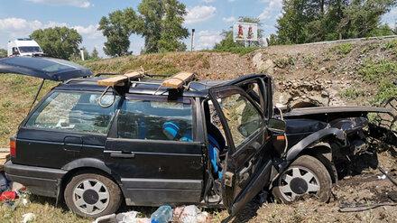 Водитель и пассажир Volkswagen погибли в ДТП под Воронежем