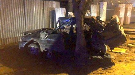 Появились фото устроенного подростком ДТП с 1 погибшим и 4 пострадавшими в Воронеже