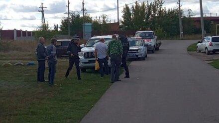 В Воронежской области пьяный лихач на джипе протаранил два авто и скрылся с места