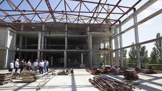 В Нововоронеже показали стройку нового спортивного комплекса с бассейнами