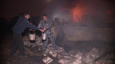 Прибывших на помощь тульских спасателей отправили в горящий посёлок под Воронежем