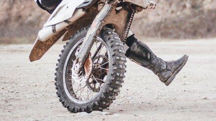В Воронежской области молодой мотоциклист врезался в дерево и погиб