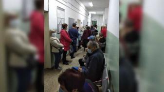 Облздрав отреагировал на фото забитой вопреки коронавирусу поликлиники в Воронеже