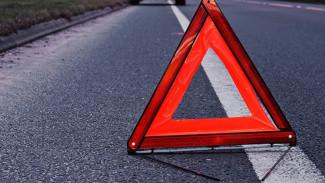 В Воронежской области иномарка врезалась в фонарный столб: погибли трое