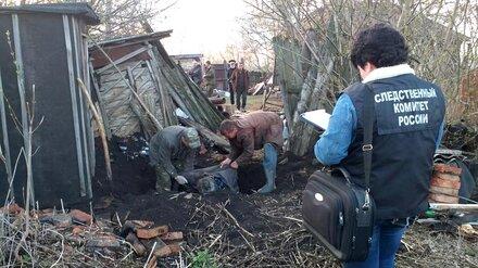 В Воронежской области 19-летний парень задушил отца и закопал тело во дворе дома