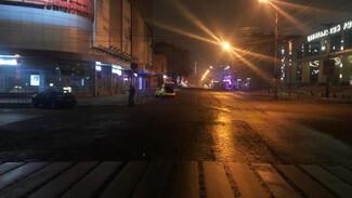 Ночью на перекрёстке в центре Воронежа разбились 2 автомобиля