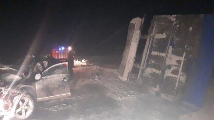 В массовом ДТП в Воронежской области 2 человека погибли и 7 пострадали