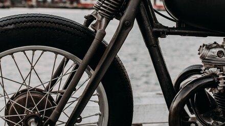 В Воронежской области мотоциклист на Honda влетел под грузовик