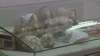 На бесплатной выставке в Воронеже покажут матрёшек ручной работы и кукол без лица