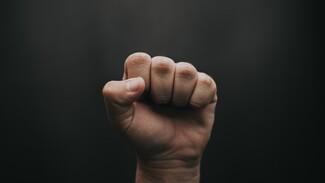 Жителя воронежского райцентра осудили на 9 лет за избиение до смерти отца ради дома