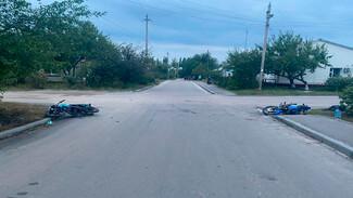 Трое подростков на мотоциклах пострадали в ДТП в Воронежской области