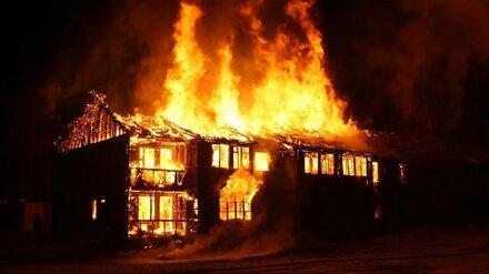 Тела троих мужчин нашли в сгоревших домах в Воронежской области