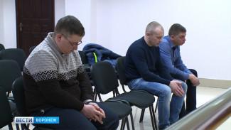 В Воронеже осуждённым за пытки узбека экс-полицейским заменили условные сроки на реальные