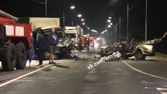 Под Воронежем при лобовом столкновении 2 авто погиб 25-летний парень