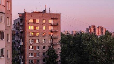 Под окнами воронежской многоэтажки нашли тело 37-летней женщины