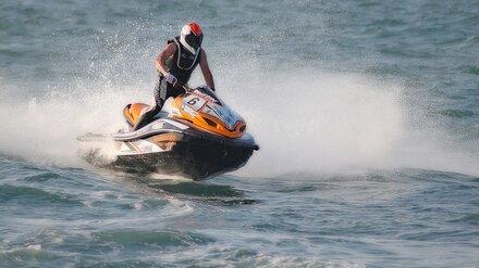 Гидроцикл убил купающегося у популярного пляжа воронежца