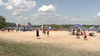 Турнир по пляжному волейболу в Воронеже собрал 80 команд