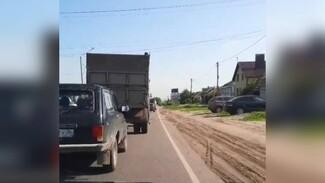 Пригород Воронежа вновь встал в большой пробке из-за ремонта моста через Дон