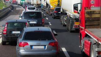 На въезде в Воронеж образовалась 5-километровая пробка