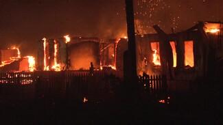 На ночных пожарах в Воронежской области погиб мужчина и пострадала женщина