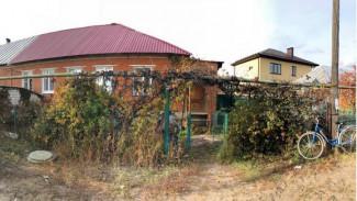 В Воронеже инвалид зарезал терроризировавшего его сына-алкоголика