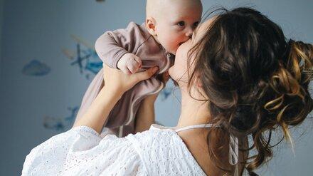 Кормящим матерям запретили прививаться «Спутником V»