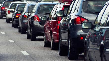 Перекрытие одной улицы спровоцировало огромные пробки на Левом берегу Воронежа