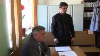 Жителя Воронежской области приговорили к обязательным работам за пьяное избиение фельдшера