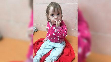 В Воронеже ищут родных найденной ночью 1,5-годовалой девочки в коляске