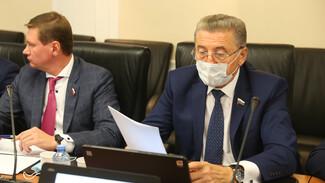 Воронежский сенатор поддержал закон о помощи аграриям