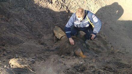 Взрывотехники обезвредили найденную у торгового центра в Воронеже бомбу