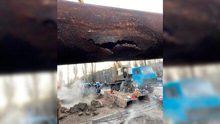 Коммунальщики назвали сроки устранения оставившей без тепла тысячи воронежцев аварии