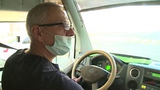 Воронежский маршрутчик начал бесплатно раздавать маски пассажирам