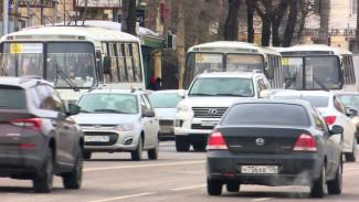 Простаивавший во время пандемии общественный транспорт вернули на улицы Воронежа