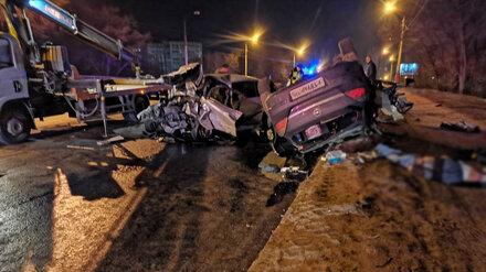 В Воронеже в лобовом ДТП 2 человека погибли и 2 пострадали