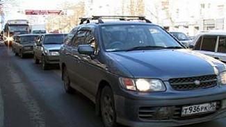 В часы пик Воронеж замирает в традиционных пробках