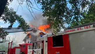Воронежцы сняли на видео охваченный огнём авторский отель