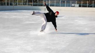 Воронежцев приглашают бесплатно научиться кататься на коньках и играть в хоккей